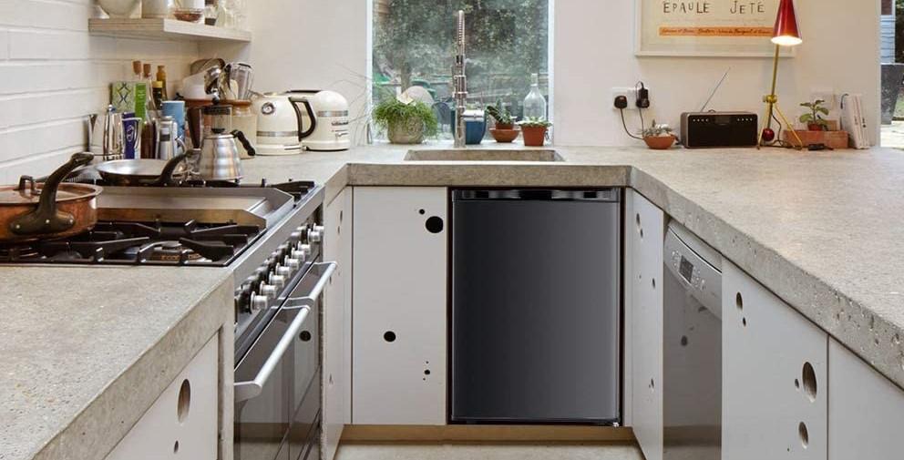 Kismile 2.1 Cu.ft Compact Upright Freezer with Reversible Single Door